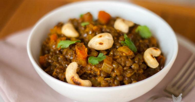 Dahl de lentilles vertes – sauce coco-épices
